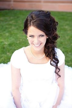 Perfect side updo... Id like to see a waterfall braid on the side too