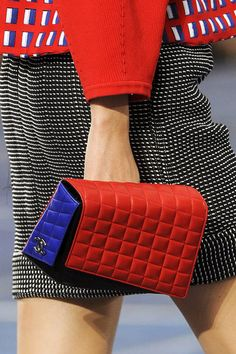 Chanel Spring 2013 Ready-to-Wear Detail - Chanel Ready-to-Wear Collection - ELLE