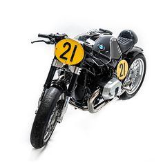 Something old, something new: this custom from Officine Sbrannetti captures the spirit of Walter Zeller's famous RS54 Rennsport racer.