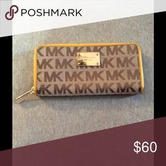 Michael Kors Wallet Good condition just bought a new one so I need to get rid of this one. Michael Kors Bags Wallets