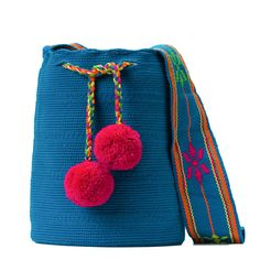 Tienda online de Bolsos Wayuu étnicos y artesanales en Madrid |Full Moonrise Cotton Bag, Cotton Thread, Fabric Drawing, Trendy Accessories, Everyday Outfits, Bucket Bag, Weaving, Pandora, Pattern