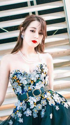 Beautiful Asian Girls, Beautiful Actresses, Traditional Dresses, Korean Girl, Actors & Actresses, Korean Fashion, Strapless Dress, Cosplay, Model