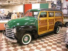 Google Image Result for http://www.barthworks.com/cars/murphycars/photos/1952chevroletsuburban03.jpg
