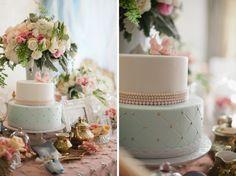 marie-antoinette-styled-girls-party-cake-blue-white-gold