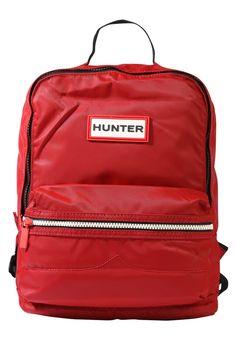 ¡Consigue este tipo de mochila de Hunter ahora! Haz clic para ver los detalles. Envíos gratis a toda España. Hunter KIDS ORIGINAL BACKPACK Mochila military red: Hunter KIDS ORIGINAL BACKPACK Mochila military red Complementos   | Complementos ¡Haz tu pedido   y disfruta de gastos de enví-o gratuitos! (mochila, mochila, mochilas, petates, petate, backpack, rucksack, backpacks, rucksack, mochila, sac à dos, zaino)