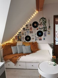 Latest Tweets / Twitter Room Design Bedroom, Room Ideas Bedroom, Bedroom Decor, Wall Decor, Loft Room, Aesthetic Room Decor, Dream Rooms, Cool Rooms, My New Room