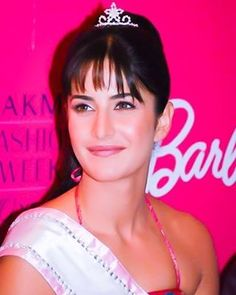 Most Beautiful Diva ♥♥↩ Gorgeous #KatrinaKaif for you . And Good morning to you all . enjoy