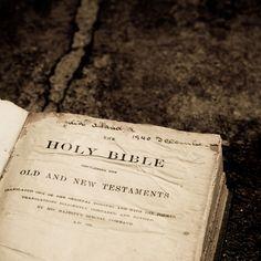 Błędy w przekładzie Biblii – jak wpływają na wiarę? - https://123tlumacz.pl/tlumaczenia-biblii-bledy/