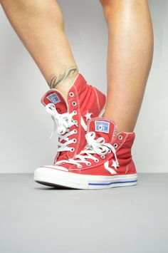 Vintage des années 90 Converse rouge & blanc Salut-dessus