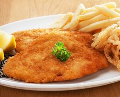 Schnitzels and seafood dishes are served with Spur-style crispy onion rings and chips OR baked potato. Replace your chips with a garden salad for a healthier alternative. Chicken Schnitzel, Creamy Mushroom Sauce, Crispy Onions, Rock Crafts, Seafood Dishes, Chicken Breasts, Healthy Alternatives, Hummus, Baked Potato