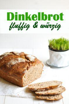 Dieses leckere fluffige selbst gemachte Dinkelbrot wird durch Zugabe von Schnittlauch herrlich würzig. Aber nicht zu würzig. Auch Marmelade schmeckt noch auf diesem Brot. Vegan möglich, Thermomix, Frühling auf dem Teller.