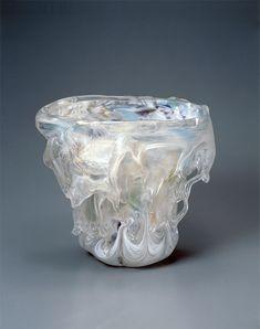 藤田喬平 ガラスオブジェ 「虹彩」 – CRAFTS DESIGN Design Crafts, Vase, Decor, Furniture, Decoration, Home Furnishings, Vases, Decorating, Deco