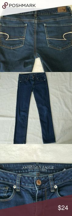 [American Eagle] Skinny Jean Sz 2 Size 2 short length skinny jeans in good used condition!   Open to offers! Thanks for shopping my closet! American Eagle Outfitters Jeans Skinny