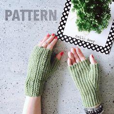 Crochet mitts pattern