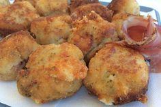 Le polpette con speck e scamorza affumicata è una variante delle classiche polpette di carne, resa ancora più gustosa dalla presenza dello speck e della scamorza. Ecco la ricetta