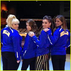 'Pitch Perfect Stars Spill on Sequel Plot Details – Watch Now! Anna Kendrick, Rebel Wilson, and Hailee Steinfeld pose with The Today Show's Natalie Morales in this new behind-the-scenes photo from the set of Pitch Perfect Pitch Perfect 2, Anna Kendrick Pitch Perfect, Hailee Steinfeld Pitch Perfect, Chloe, Rebel Wilson, Need To Lose Weight, Celebrity Photos, Girl Pictures, Good Movies