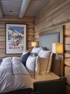 Wonderfull Chalet style of interior decorating Chalet Style, Lodge Style, Ski Chalet, Chalet Interior, Interior Exterior, Cabin Homes, Log Homes, Home Bedroom, Bedroom Decor