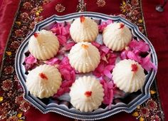 Celebrate the festive season with some Unique Modak Recipes for Ganesh Chathurthi - for the family to enjoy and to gift friends and relatives as well! Oil Painting Tips, Painting Art, Watercolor Painting, Modak Recipe, Cupcake Decorating Tips, Indian Dessert Recipes, Yummy Treats, Coconut, Sweets
