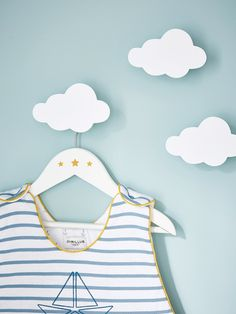PACK OF 3 WOODEN CHILDREN'S HANGERS BLUE+GREY+PINK+WHITE