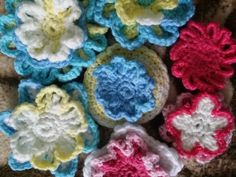 crochet flowers pastel colors