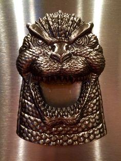 Diamond Select: Godzilla Bottle Opener.
