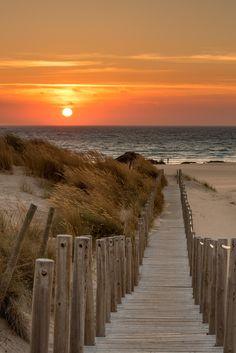 La playa de Guincho, cerca de Cascais, Portugal, es una popular playa de bandera azul del Atlántico se encuentra en la costa de Estoril de Portugal, 5 km de la ciudad de Cascais, y está situado en el municipio de Cascais.