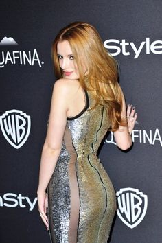 Bella Thorne booty at Golden Globes after party