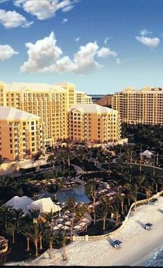 The Ritz-Carlton, Key Biscayne   Top Miami Beach Resort Reviews - Inspect the top family, all inclusive, adult and luxury resorts and hotels in Miami.  Miami travel and vacation information. Part of the top Florida Beach Resorts and Hotels list.  #Miami  Top Miami  Resorts