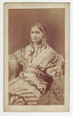 49493b4664857 Various Vintage Photographs of Indian Nautch (Dancing) Girls - Old Indian  Photos Essence Of