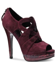 Isola Shoes, Dallan Platform Pumps - This is how I am getting in on oxblood/burgundy for fall.now for a coordinating pedi and social event. Peep Toe Platform, Platform Shoes, Pump Shoes, Shoe Boots, Shoes Heels, Suede Shoes, Zapatos Peep Toe, Nylons, Sofft Shoes