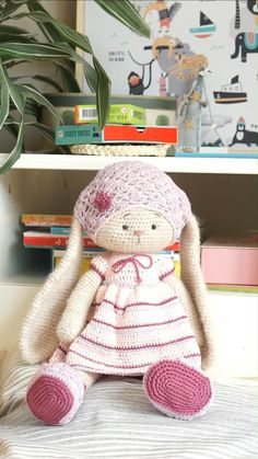 Diy Crochet Doll, Crochet Doll Pattern, Crochet Toys Patterns, Hand Crochet, Free Crochet, Stuffed Animal Patterns, Diy Stuffed Animals, Diy Doll Costume, Bunny Crafts