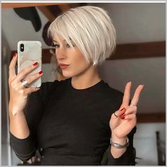 Haircut Images, Short Bob Haircuts, Modern Short Hairstyles, Short Womens Hairstyles, Blonde Short Hairstyles, Bobbed Haircuts, Short Bob Cuts, Short Hair With Layers, Short Hair Cuts For Women Over 40