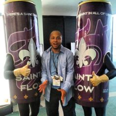 Voice actor Arif S. Kinchen AKA Pierce Washington right before getting all Bruce Lee on these cans of Saints Flow at E3 2013