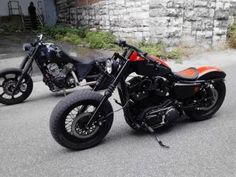 Awesome Nightster with wide glide front end. We will put this under Sportster but the Dyna front end is rad.