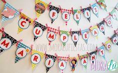 ¡Por supuesto que el cumpleañero tiene que sentirse especial! Banner personalizado con nombre con textura y animalitos granjeros Birthday Cake, Holiday Decor, Diy, Ideas, Home Decor, Farm Party, Christmas Nativity, Texture, Bricolage