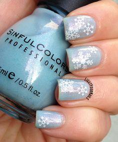 #12DaysOfChristmasNailArt #ChallengeYourNailArt Snow Day nails #lightyournails