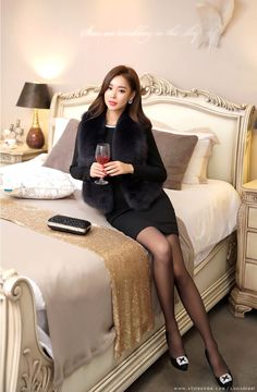 Korean Women`s Fashion Shopping Mall, Styleonme. New Arrivals Everyday and Free International Shipping Available. Celebrity Casual Outfits, Classy Outfits, Celebrity Style, Asian Fashion, Girl Fashion, Fashion Outfits, Latest Fashion, Fashion Trends, Beautiful Legs