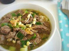 Ideas soup recipes winter comfort foods for 2019 Sausage Crockpot, Sausage Recipes, Beef Recipes, Cooking Recipes, Recipies, Healthy Soup Recipes, Vegetarian Recipes, Malay Food, Malaysian Food