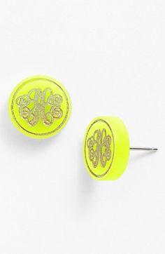 Monogram stud earrings http://rstyle.me/n/kau3znyg6