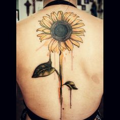 Awesome combo of realism and watercolor. The way the petal runs into the leaf is…
