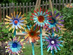 Metal flower garden art made from aluminum drink cans