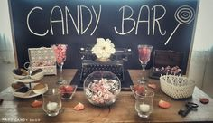 Vintage Candy Bar Vintage Candy Bars, Candy Shop, Hard Candy, Sweets, Table Decorations, Home Decor, Candy Bar Wedding, Decoration Home, Gummi Candy