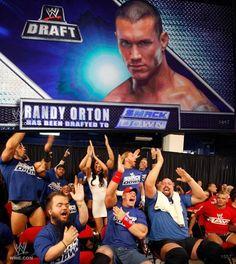 Hahaha i remember Wwe Draft, Nothing Gold Can Stay, Jeff Hardy, Randal, Cm Punk, Randy Orton, Wwe Wrestlers, Roman Reigns, Wwe Superstars