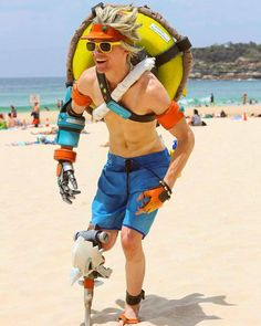 Beachrat junkrat from Overwatch cosplay by Fifty Face Jayce - Props & Cosplay #overwatch #junkratcosplay #cosplayclass