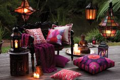 Edition 20 - KAS Cushions: Magenta on the deck. Pink Pillows, Throw Pillows, Fabulous Fabrics, House And Home Magazine, Fabric Decor, Home Decor Inspiration, Outdoor Spaces, Sweet Home, Cushions