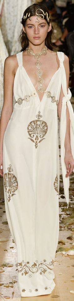 Valentino.. Spring 2016. Love it expect for that snake thing around her head