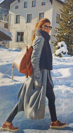 cool El street style de Juliana Awada para pasear por los Alpes suizos