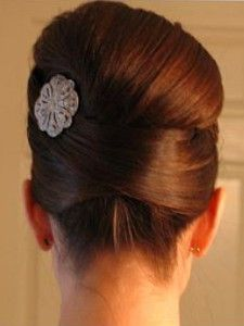 Perfect Mad Men inspired up-do for one of my bridesmaids! Jennyyyy!!! ;)