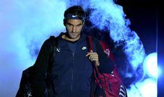 17.11 «Ça lui va bien ce côté un peu rebelle»: Marc Rosset semble apprécier le nouveau look de Roger Federer.Photo: AFP/Glyn Kirk