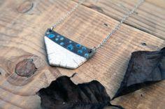 collana geometrica in ceramica raku moderna bianca di BottegaKrua